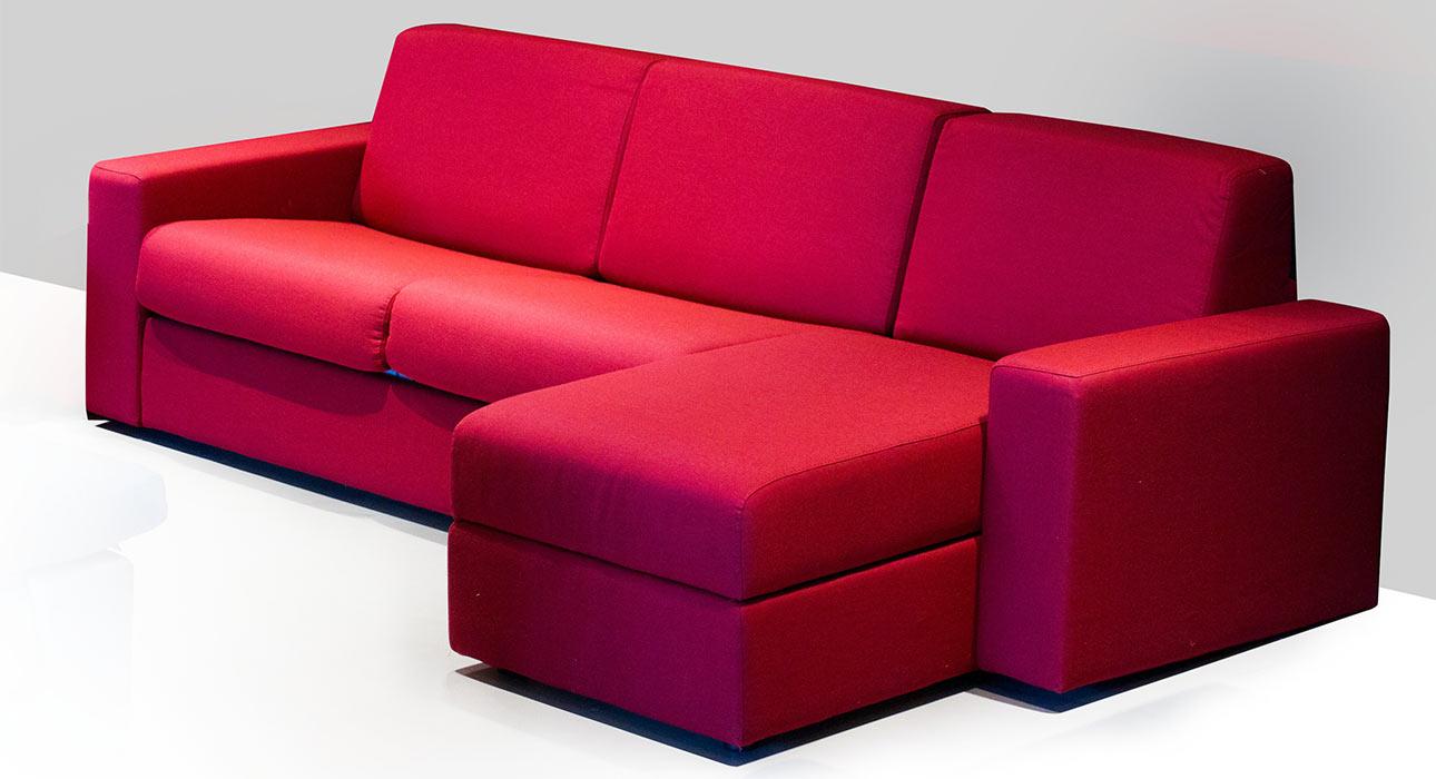 Giove spazioso divano letto negozio pg arredamenti for P g arredamenti